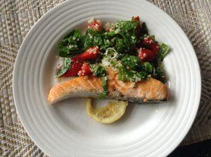 Salmon & strawberries quinoa salad