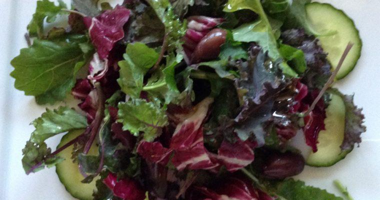 Baby kale, radicchio & black olives salad