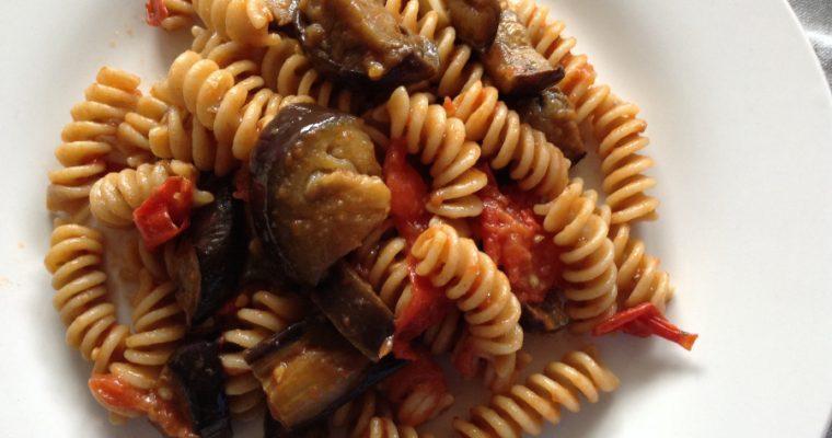 Roasted aubergines & tomatoes pasta
