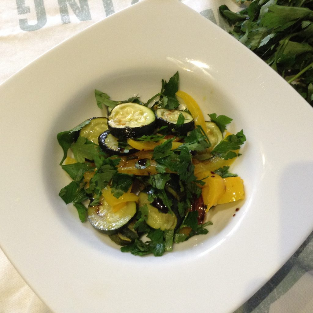Courgettes & peppers summer salad