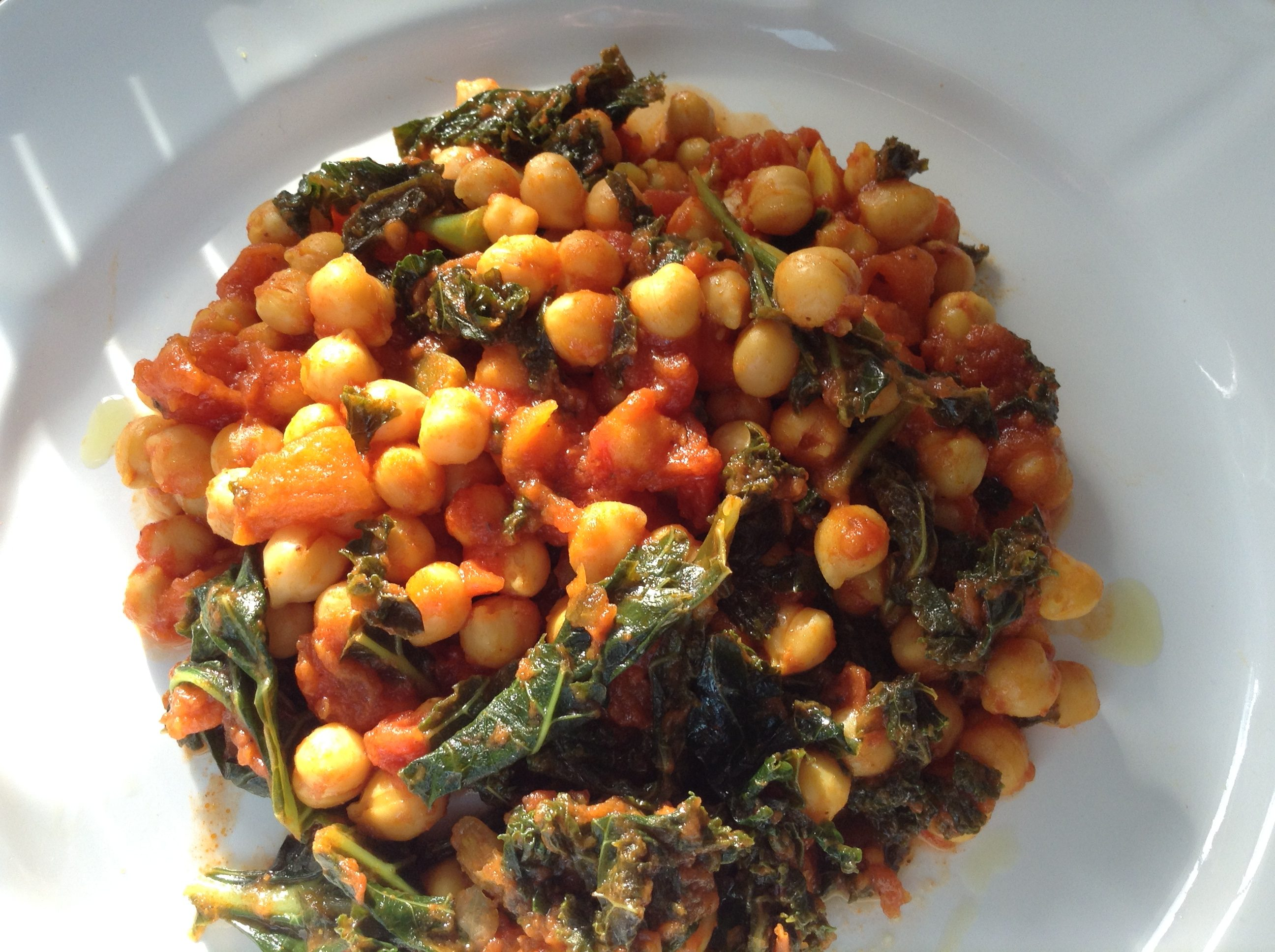 Chickpeas & kale turmeric stew