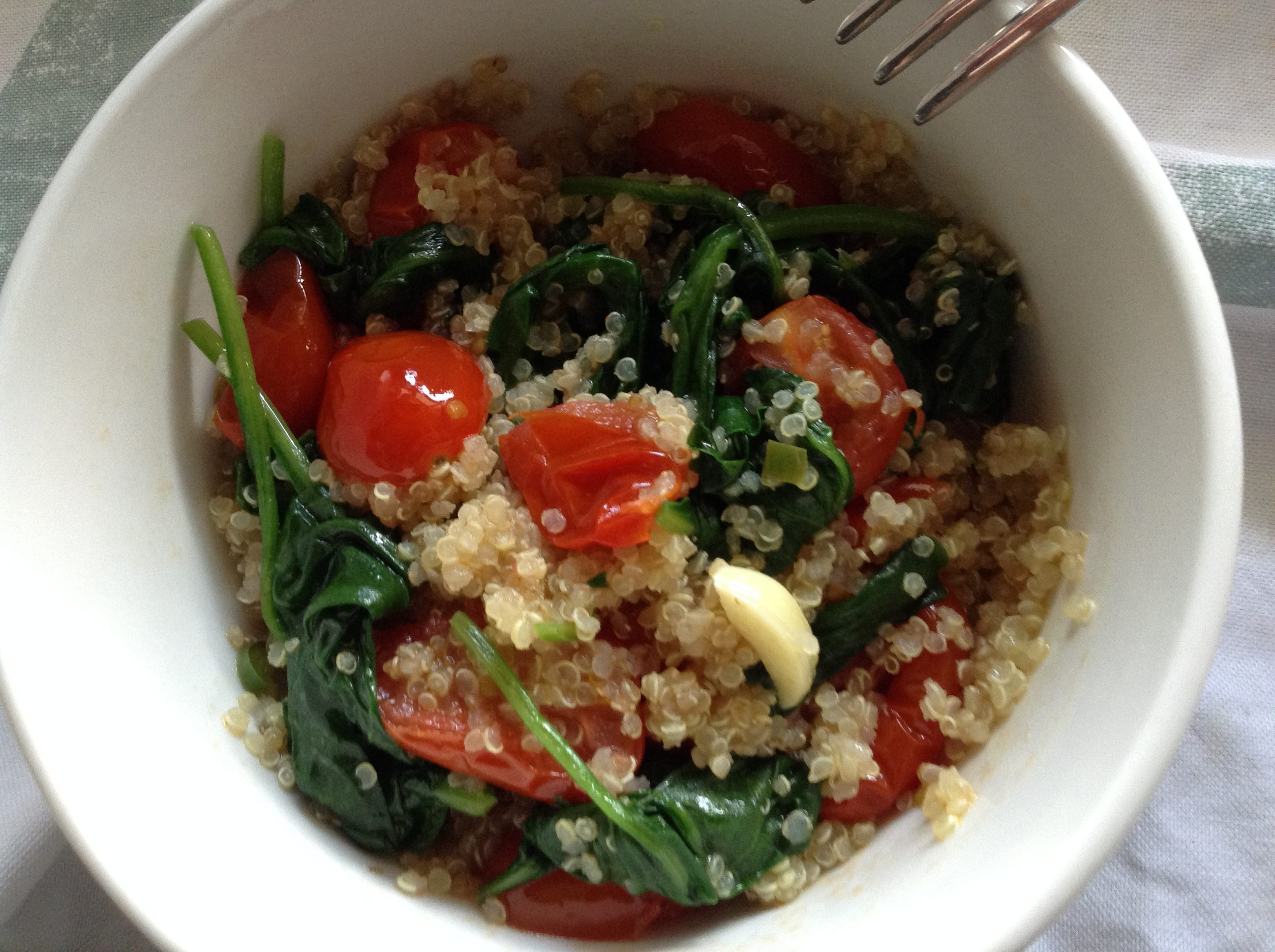 "Spinach and cherry tomatoes quinoa ""risotto"""