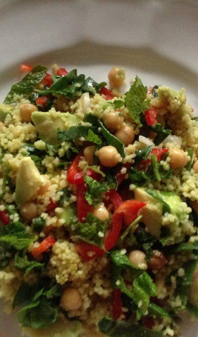 Chickpeas, avocado & spinach turmeric cous-cous