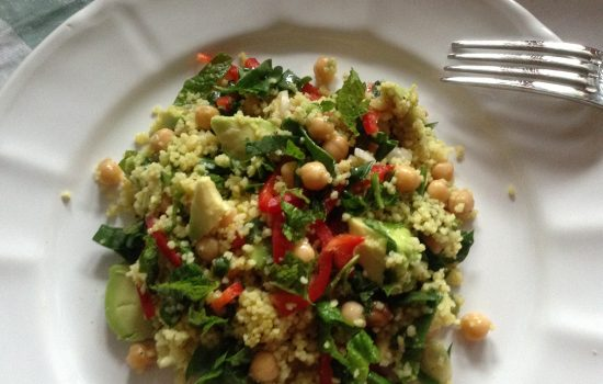 Chickpeas, avocado & spinach turmeric cous-cous