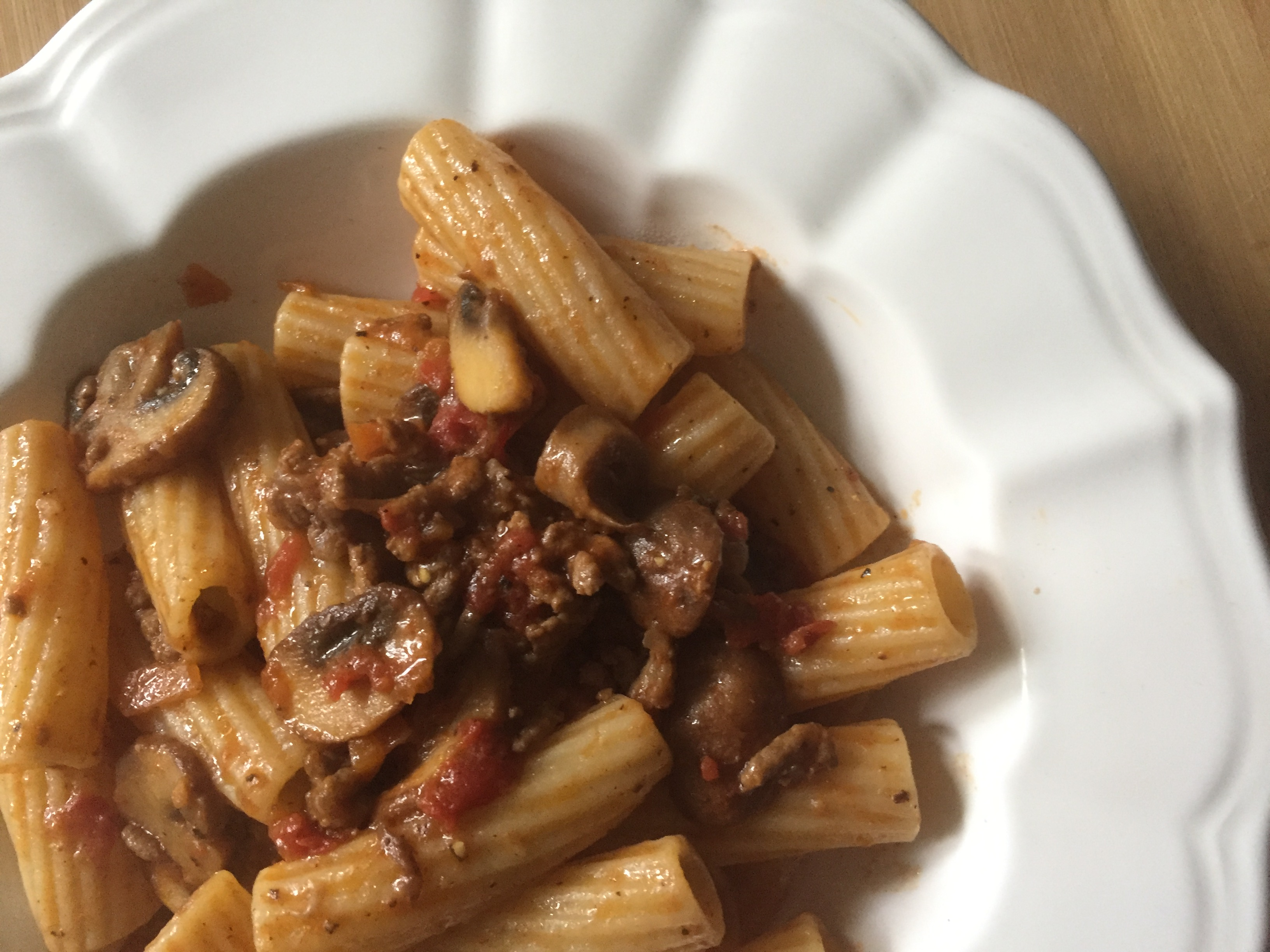 Semi-wholewheat rigatoni with mushrooms ragu' (bolognese sauce)